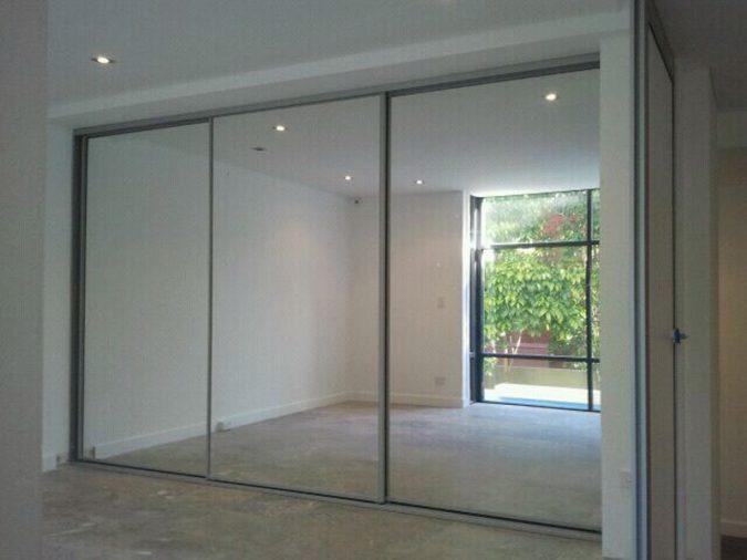 mirror-like-wardrobe7-675x506 6 Brilliant Designs of Bedroom Wardrobes