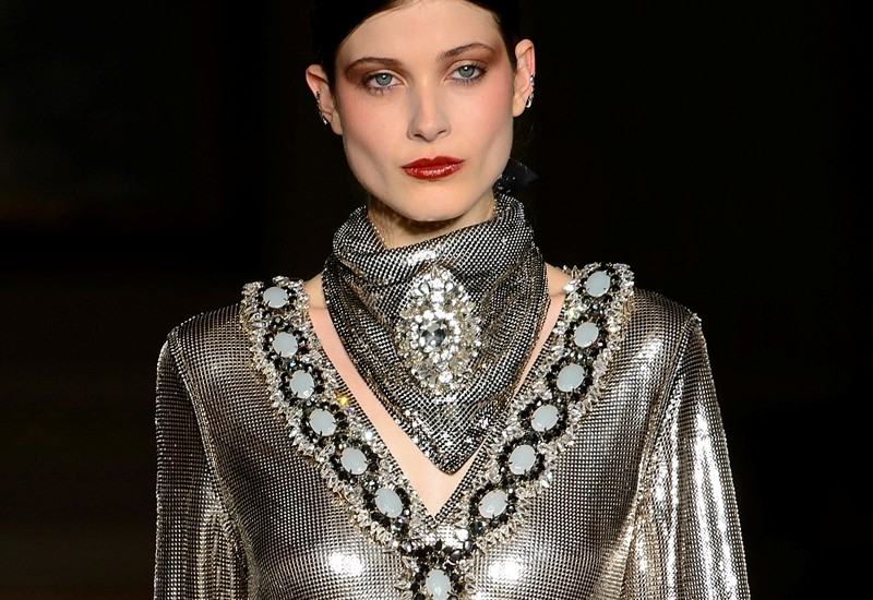 neckerchiefs-14 20+ Catchiest Scarf Trends for Women in 2020