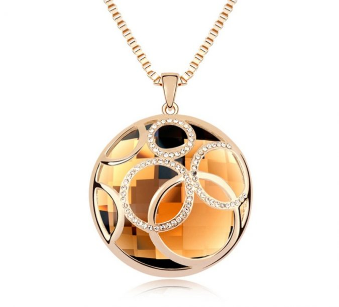necklace2-1-675x612 6 Main Necklace Trends For Summer 2018