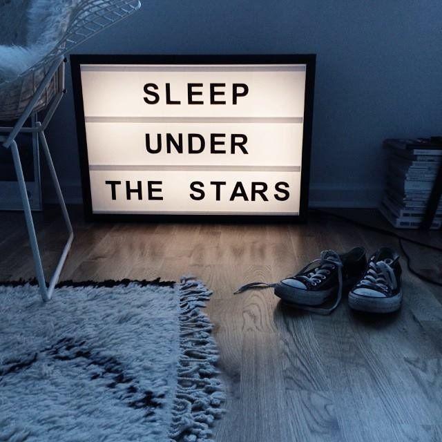 neon-sign-in-bedroom2 7 Design Ideas for Teens' Bedrooms