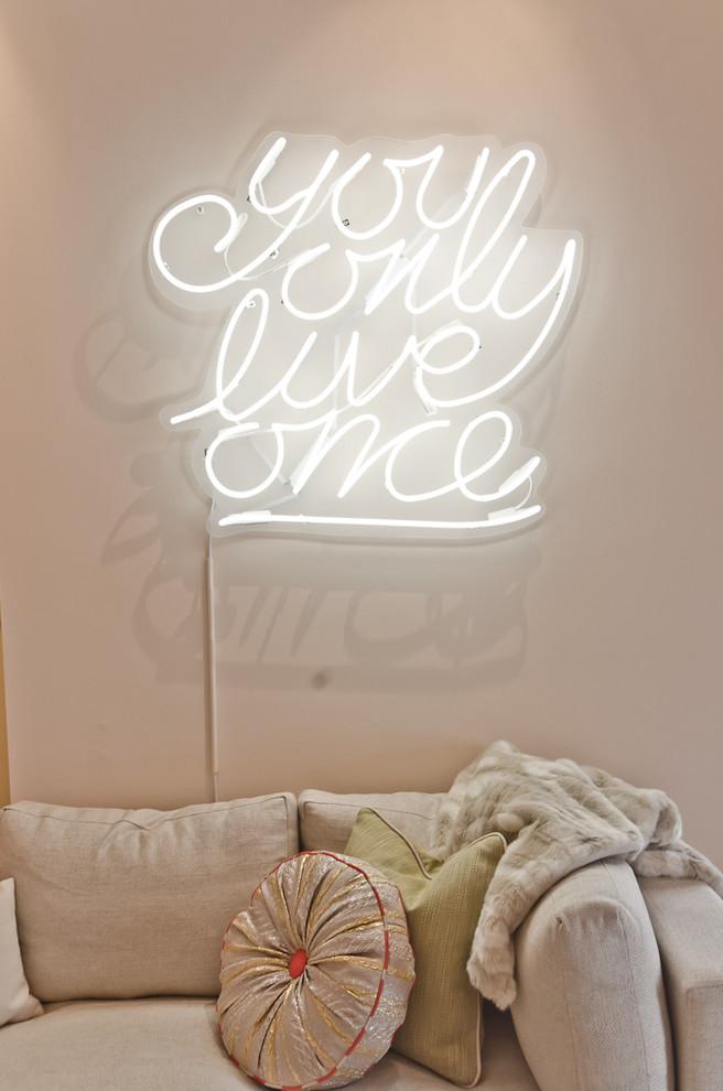 neon-sign-in-bedroom3 7 Design Ideas for Teens' Bedrooms