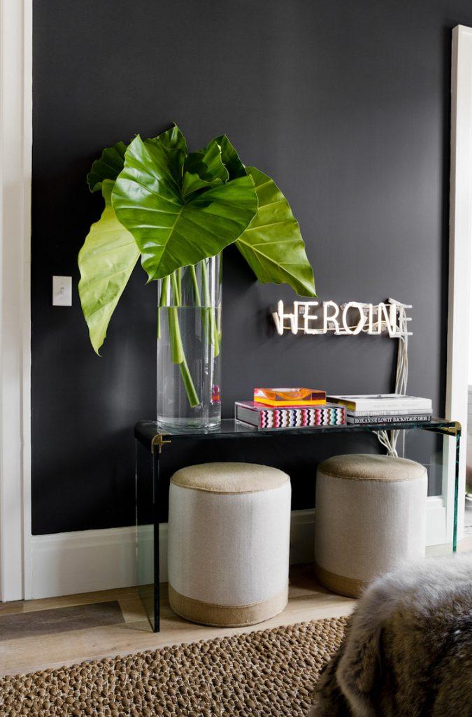 neon-sign-in-bedroom4-675x1025 7 Design Ideas for Teens' Bedrooms