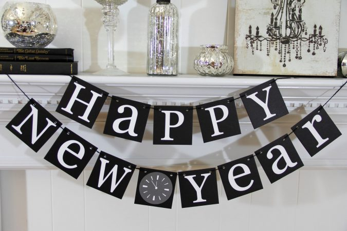 new-year-eve-party-favors-675x450 Best New Year's Eve Decorating Ideas in 2019 - 2020