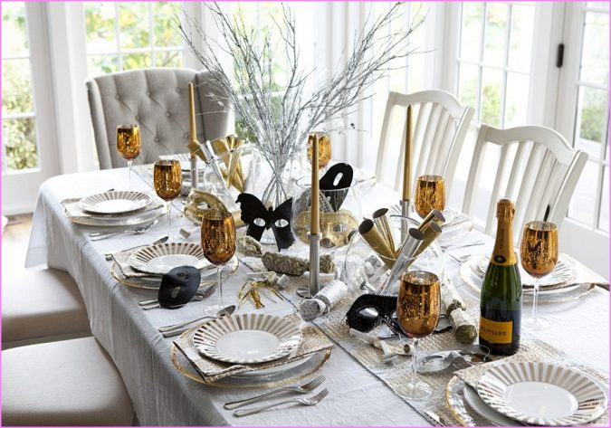 new-years-eve-table-decorations-675x473 2018 Best New Year's Eve Decorating Ideas