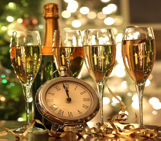 new_year_christmas_glasses_champagne-675x592 2018 Best New Year's Eve Decorating Ideas