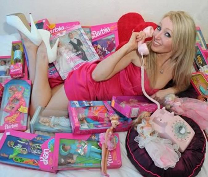 ouykasle8-675x575 6 Most Popular Barbie Girls in The World