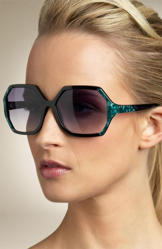 oversized-sunglasses-1 Best 10 Hottest Eyewear Trends for Men & Women 2018