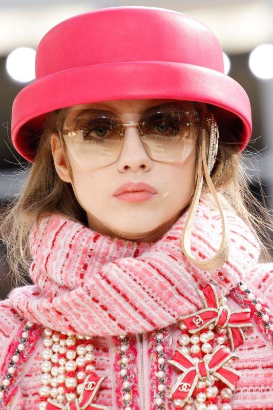 oversized-sunglasses-11 Best 10 Hottest Eyewear Trends for Men & Women 2018