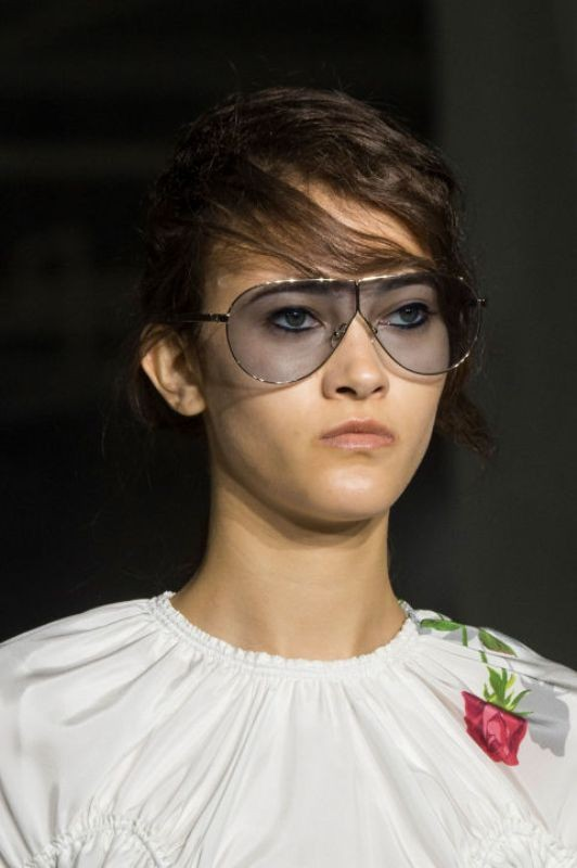 oversized-sunglasses-5 Best 10 Hottest Eyewear Trends for Men & Women 2020