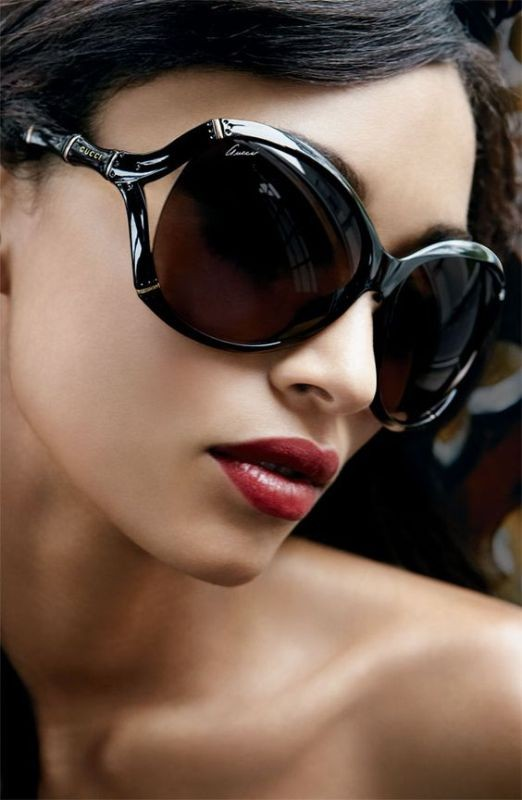 oversized-sunglasses 11 Hottest Eyewear Trends for Men & Women 2017