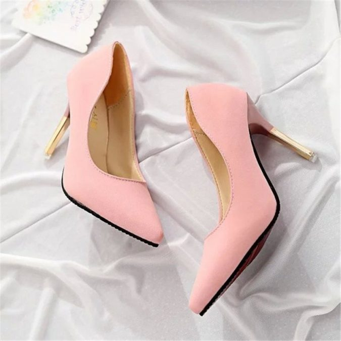 pointy-toes2-675x675 5 Stylish Women Shoe Trends for 2020