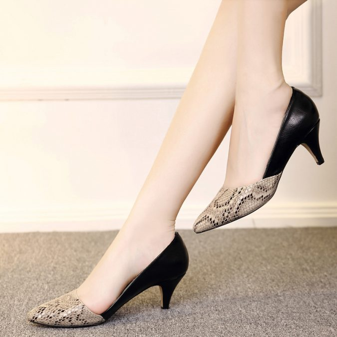 pointy-toes6-675x675 5 Stylish Women Shoe Trends for 2020