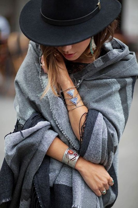 scarf-trends-2017-2 20+ Catchiest Scarf Trends for Women in 2020