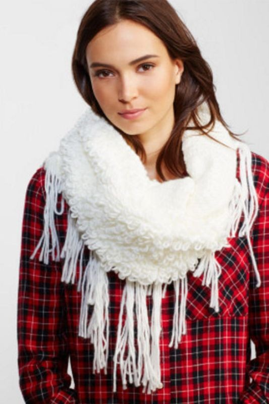 scarf-trends-2017-4 20+ Catchiest Scarf Trends for Women in 2020