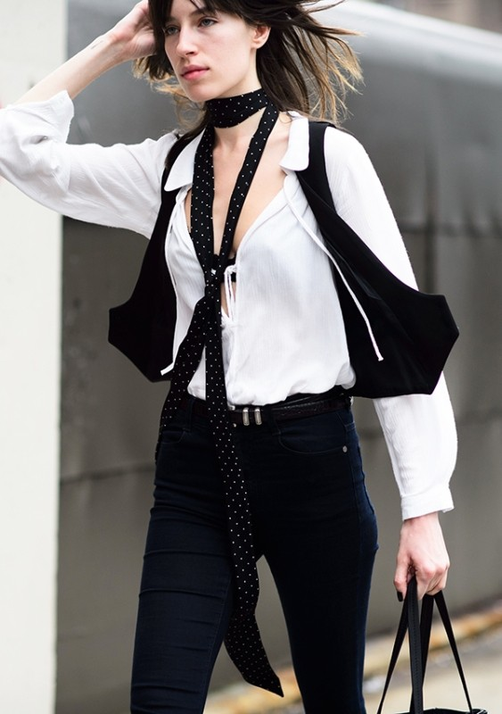 skinny-scarves-11 20+ Catchiest Scarf Trends for Women in 2020