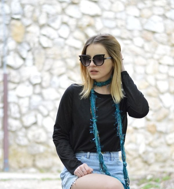 skinny-scarves-15 20+ Catchiest Scarf Trends for Women in 2020