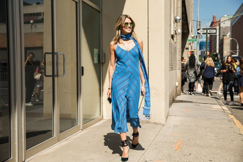 skinny-scarves-16 20+ Catchiest Scarf Trends for Women in 2020