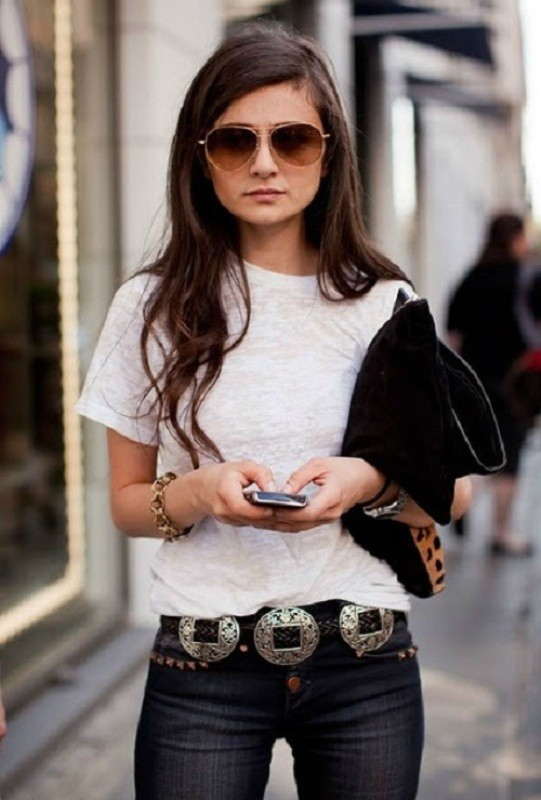 statement-belts-4 50+ Hottest Fashion Trends for Teenage Girls in 2020