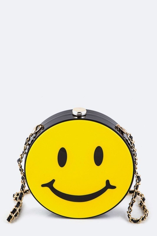 stunning-emoji-bags-1 50 Affordable Gifts for Star Wars & Emoji Lovers