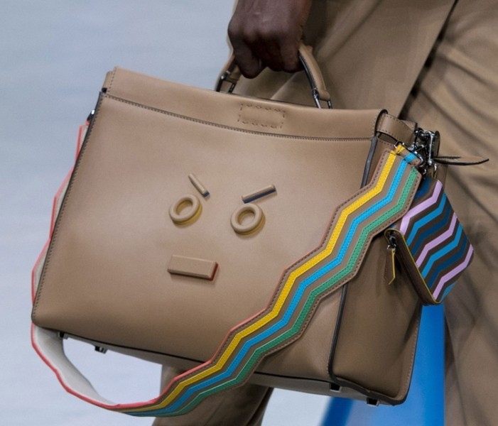 stunning-emoji-bags-10 50 Affordable Gifts for Star Wars & Emoji Lovers