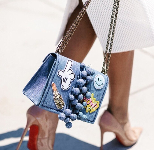 stunning-emoji-bags-8 50 Affordable Gifts for Star Wars & Emoji Lovers