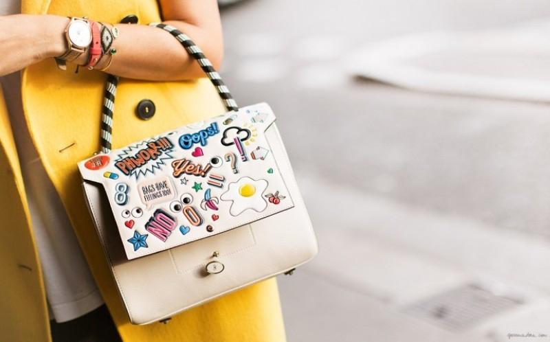 stunning-emoji-bags-9 50 Affordable Gifts for Star Wars & Emoji Lovers
