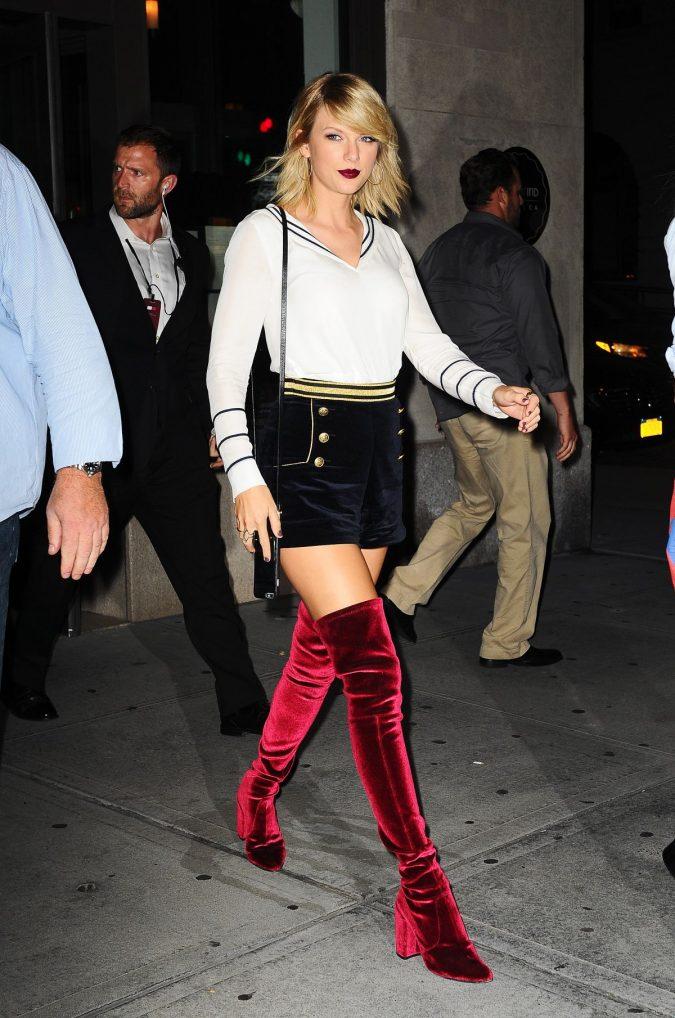 velvet-women-boots0-675x1018 5 Stylish Women Shoe Trends for 2020