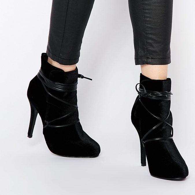 velvet-women-boots7-675x675 5 Stylish Women Shoe Trends for 2020