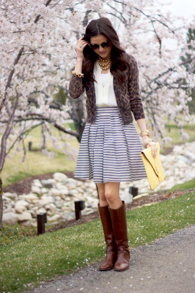 woman-wearing-boots3-675x1013 5 Main Women Shoe Trends for 2018