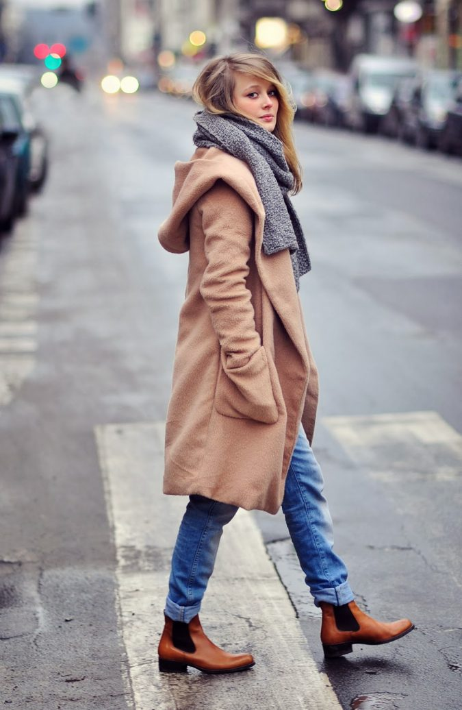 woman-wearing-chelsea-boots-675x1036 5 Stylish Women Shoe Trends for 2020