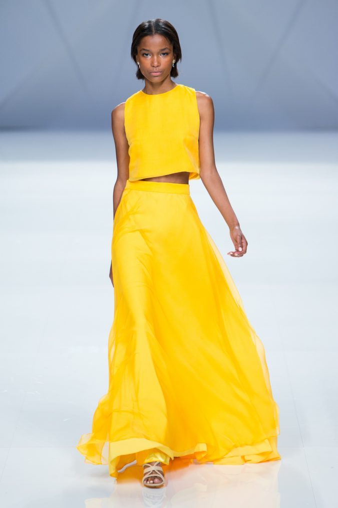 yellow-outfits3-675x1013 6 Main Fashion Trends of Spring & Summer 2018