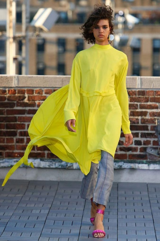 yellow-outfits7-675x1012 6 Main Fashion Trends of Spring & Summer 2018