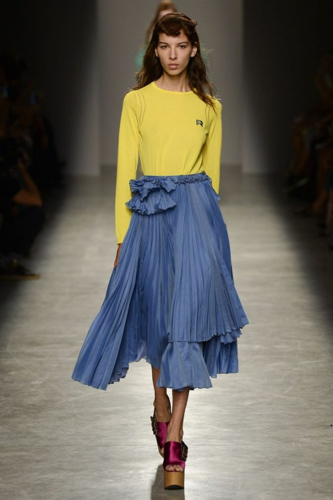 yellow-outfits8-675x1013 6 Hottest Fashion Trends of Spring & Summer 2020