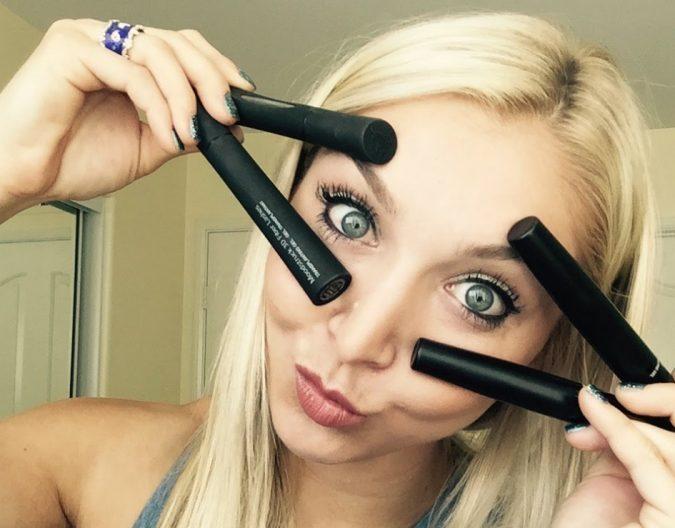 3D-Fiber-Lash-Mascara-675x528 Hottest 3D Fiber Lash Mascaras Trends