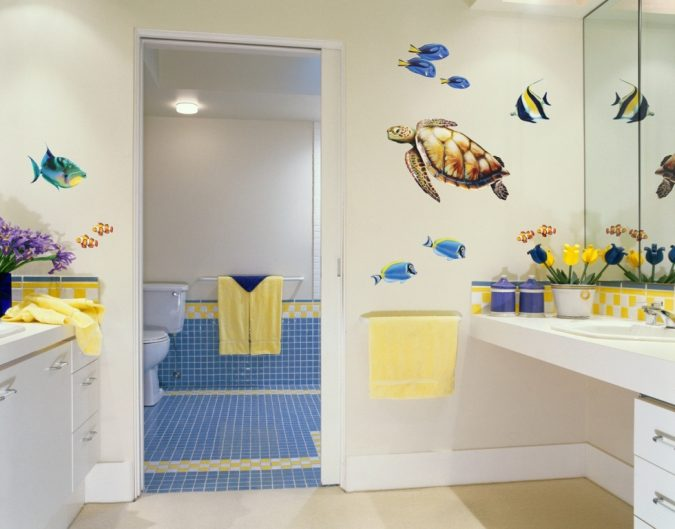 Beach-Themed-Wall-Decals-Australia-675x529 5 Bathroom Designs of kids' Dreams