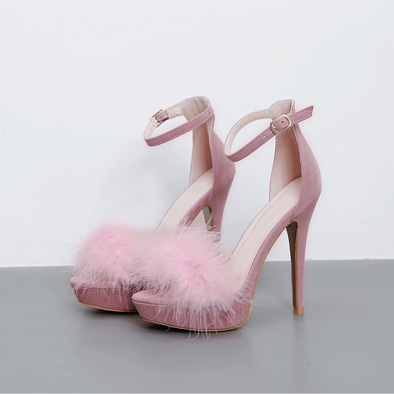 Bows-Feathers-Ruffles-and-Ribbons4 Summer/Spring Shoe Trends that Every Woman Dreams of in 2018
