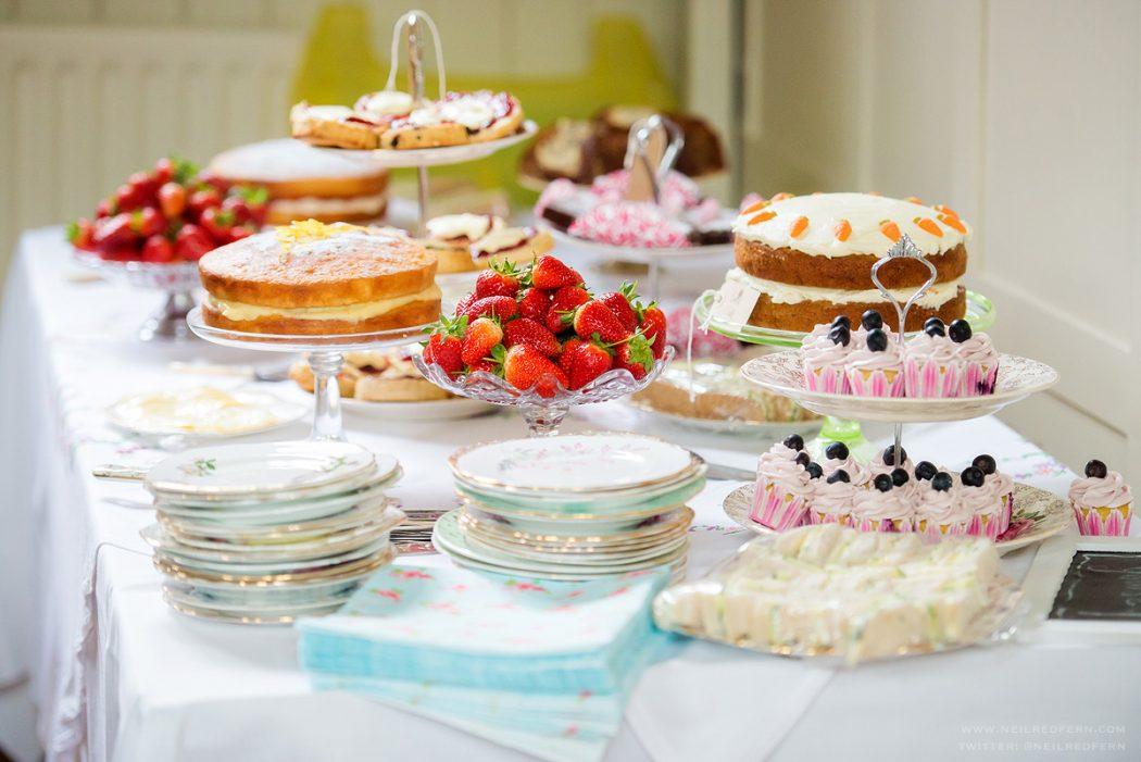 Cake-Table3 10 Best Outdoor Wedding Ideas in 2017