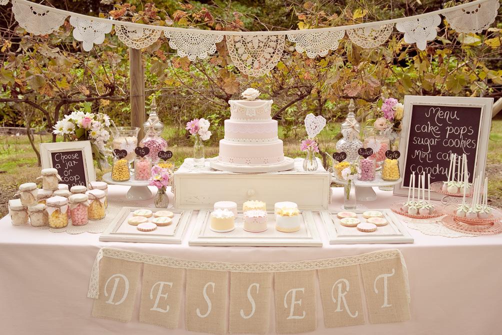 Cake-Table4 10 Best Outdoor Wedding Ideas in 2017