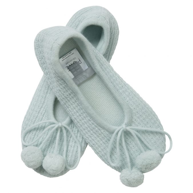Cashmere-Slippers-675x675 7 Stellar Christmas Gifts for Your Woman