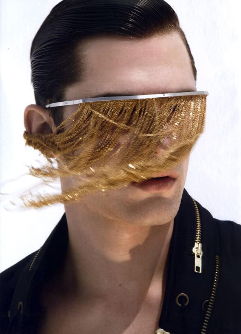 Chain-Fringe-Sunglasses6 12 Unusual Sunglasses trends in 2018