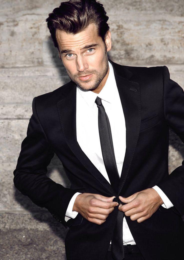 Classic-Black-Tuxedo3 6 Trendy Weddings Outfit Ideas for Men