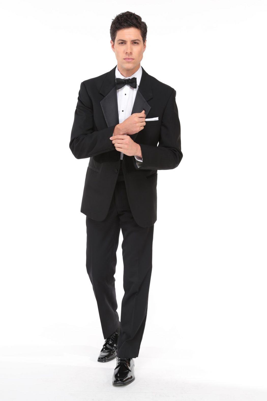 Classic-Black-Tuxedo4 6 Trendy Weddings Outfit Ideas for Men
