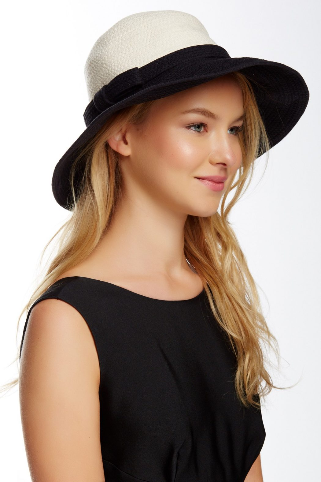 Color-Blocking-Sun-Hat4 10 Women's Hat Trends For Summer 2020