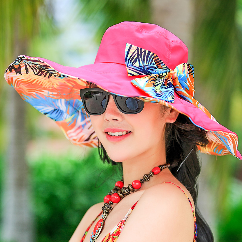 Cotton-Beach-Sun-Hats4 10 Women's Hat Trends For Summer 2018