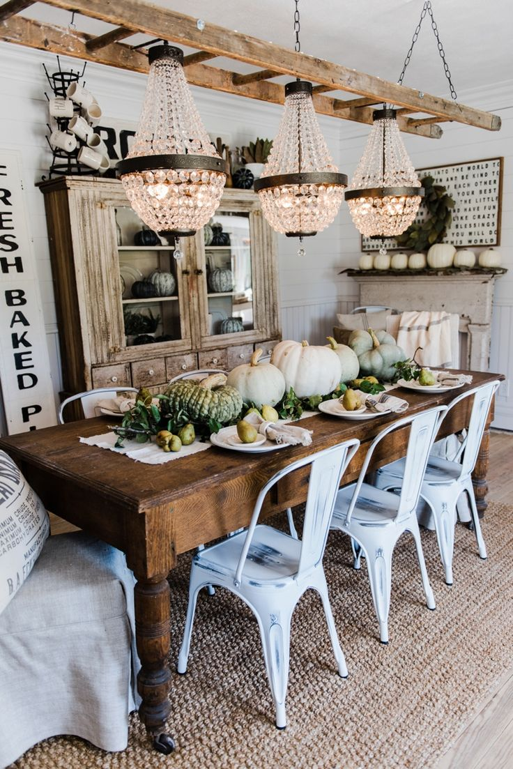 Dine-like-you-are-in-a-farmhouse4 15+ Best Luxurious and Modern Dining Room Design for 2020
