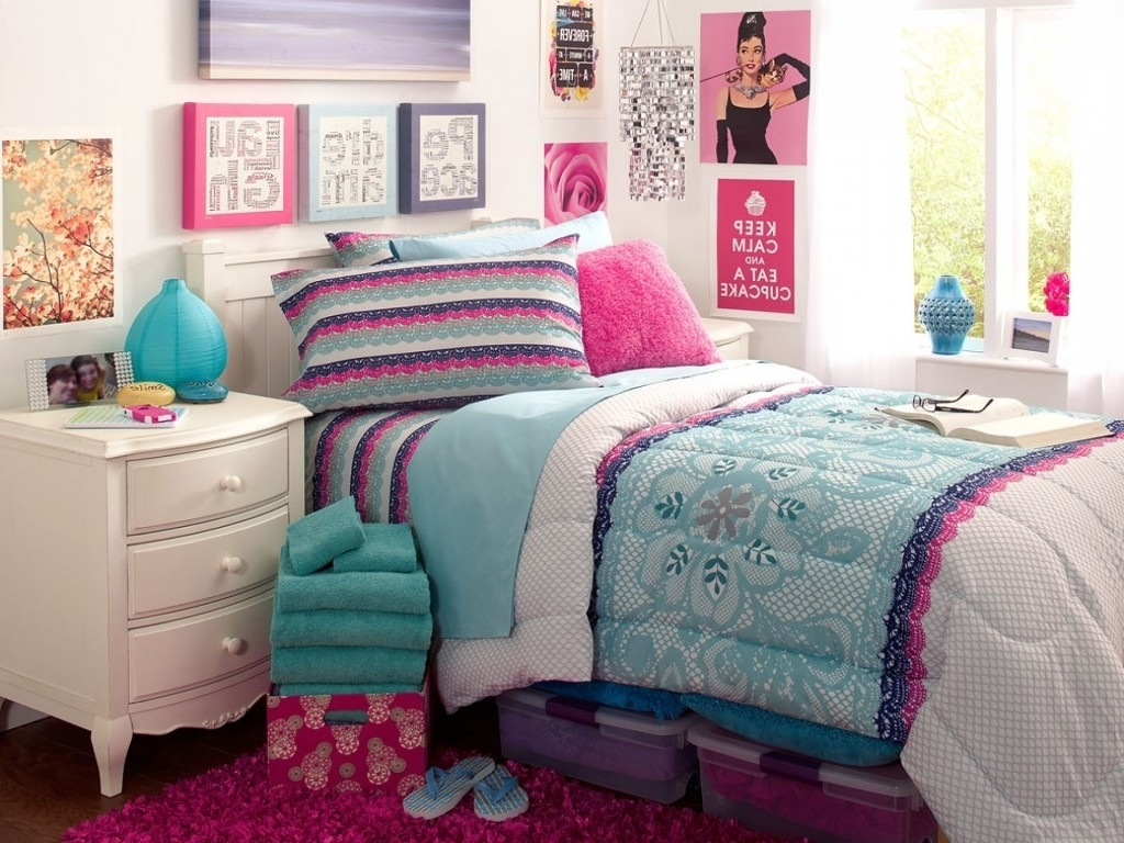 Elegant-Accessories3 Top 5 Girls' Bedroom Decoration Ideas in 2018