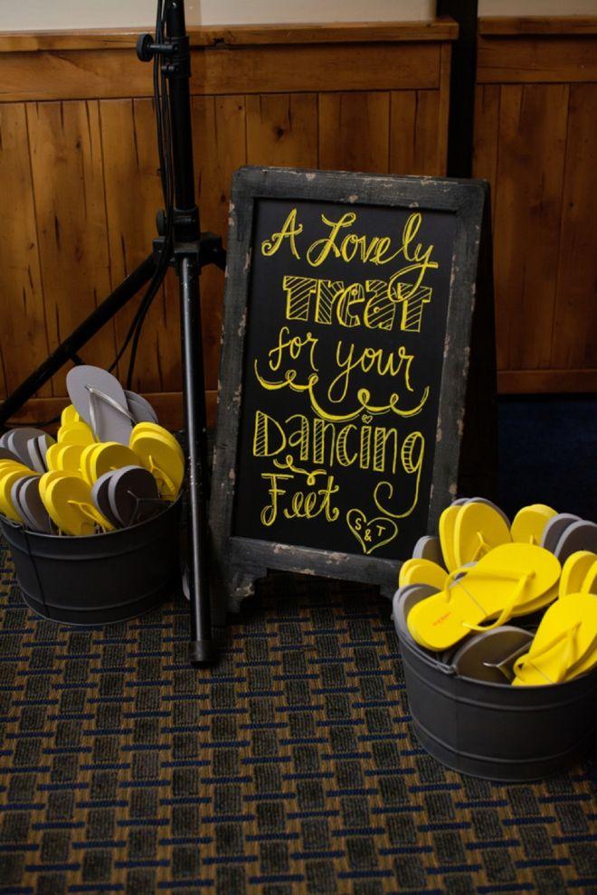 Flip-Flops5 10 Hottest Outdoor Wedding Ideas in 2020