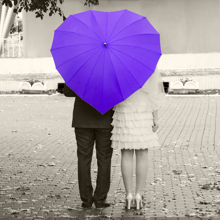 Heart-Shaped-Umbrella3. 15 Unusual Umbrellas Design Trends in 2018