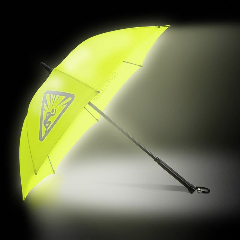 Illuminating-Umbrella2 15 Unusual Umbrellas Design Trends in 2017