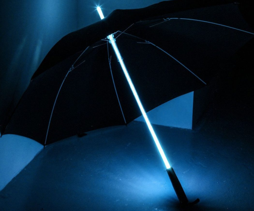 Light-Saber-Umbrella3 15 Unusual Umbrellas Design Trends in 2018